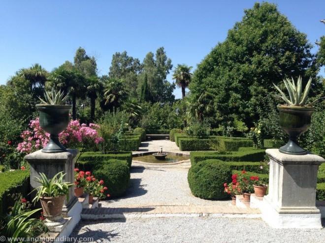 Al Andaluz Gardens in Granada Province (11)