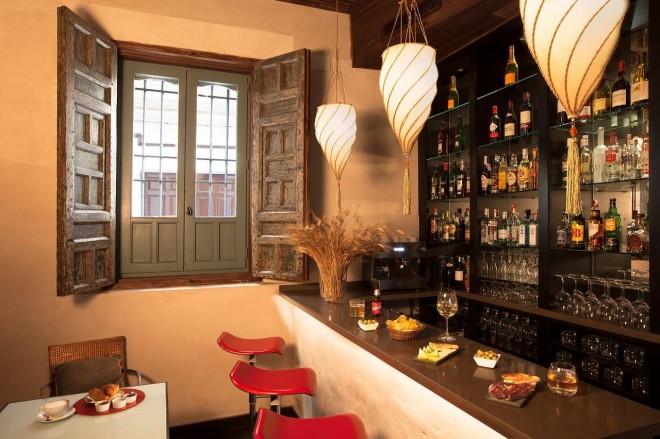 Bar Hotel Corral del Rey www.andaluciadiary.com www.corraldelrey.com/