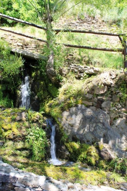 Mountain stream Hotel Finca de los Llanos Alpujarras