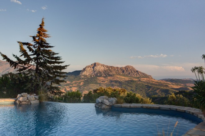 Pool with a view © Steve Sparrow Photography