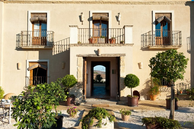 RURAL RETREAT. Andalusian rustic chic, Casa la Siesta style