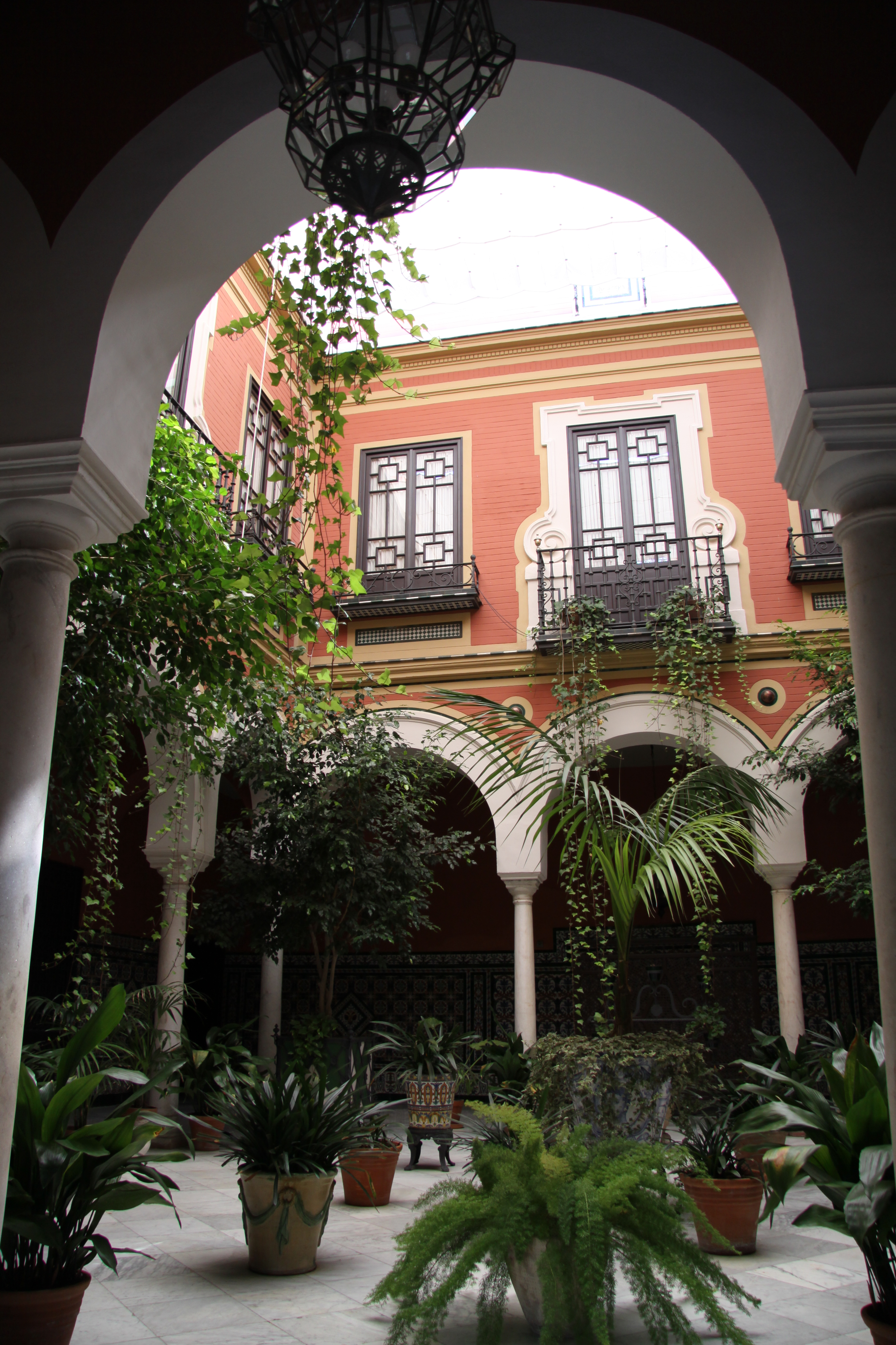 Typical Andalucian patio Seville www.andrewforbes.com