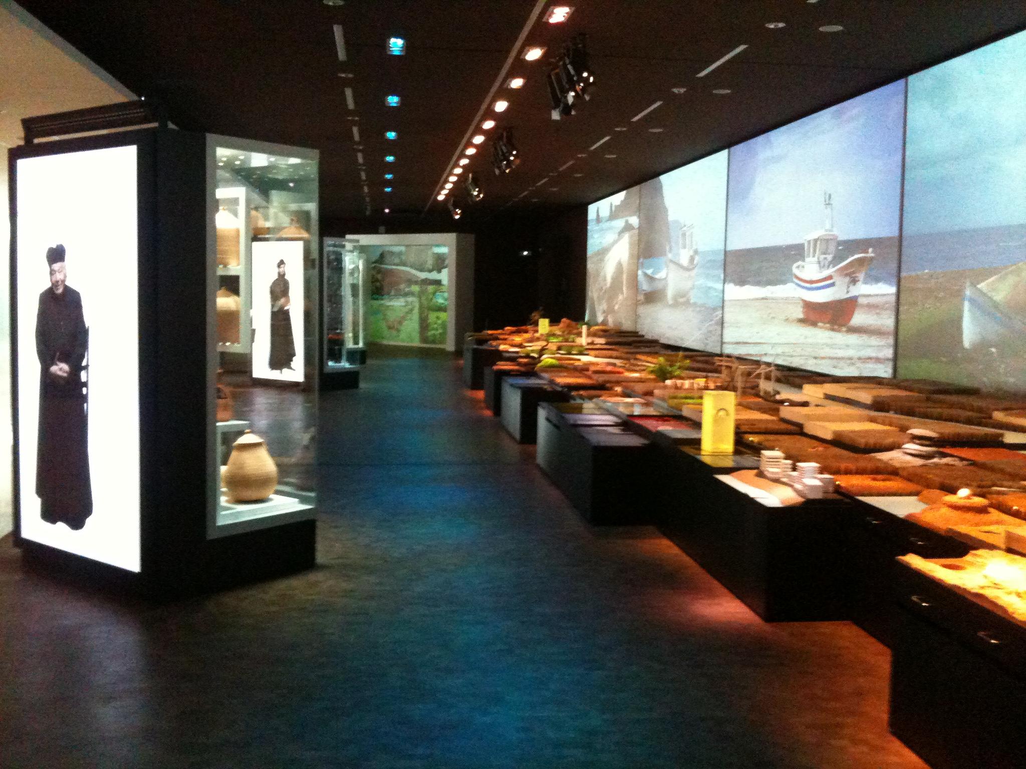 Interactive display Centro Cultural CajaGranada Memoria de Andalucía andrew forbes