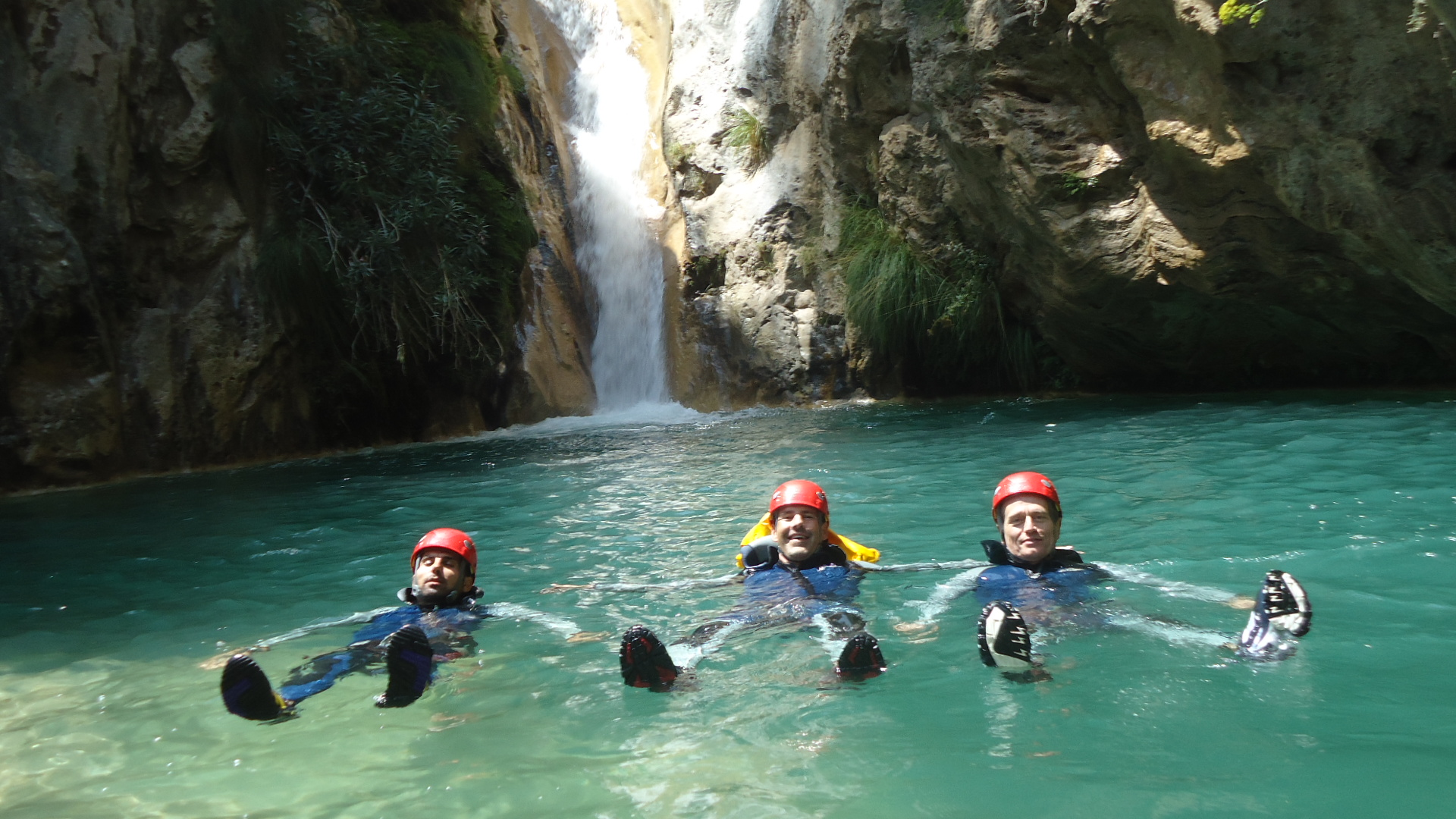 Andrew Forbes Canyoning in Rio Verde, Granada with friends and TeamXtreme.es