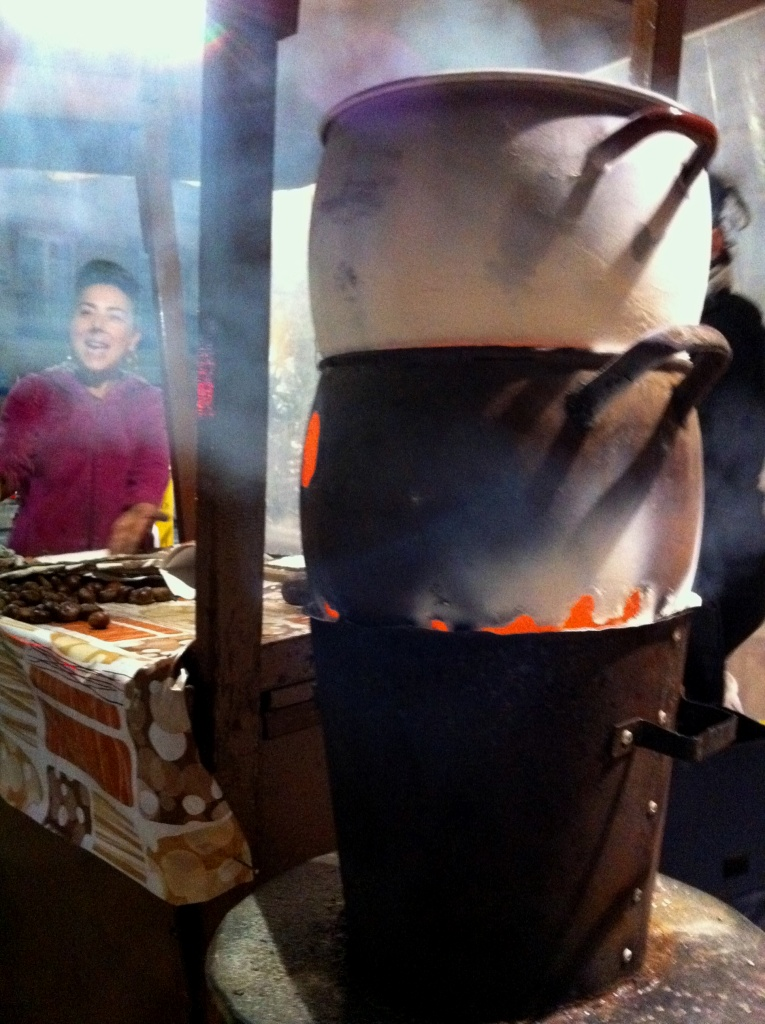 Castañas_chestnuts_roasting_street_vendor_plaza_merced_malaga_andrew_forbes