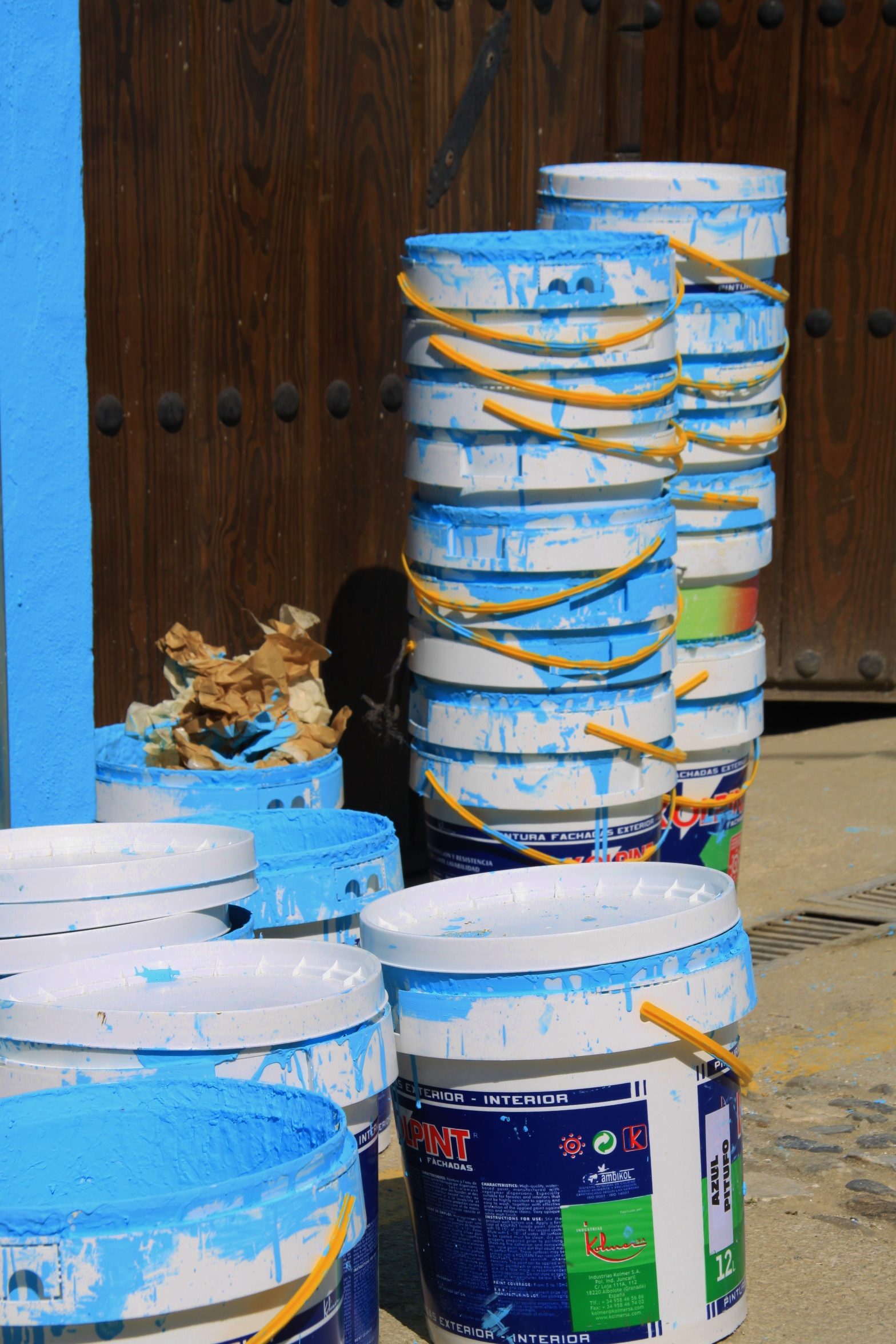 Juzcar - Smurf Village paint  tubs copyright www.andrewforbes.com 015