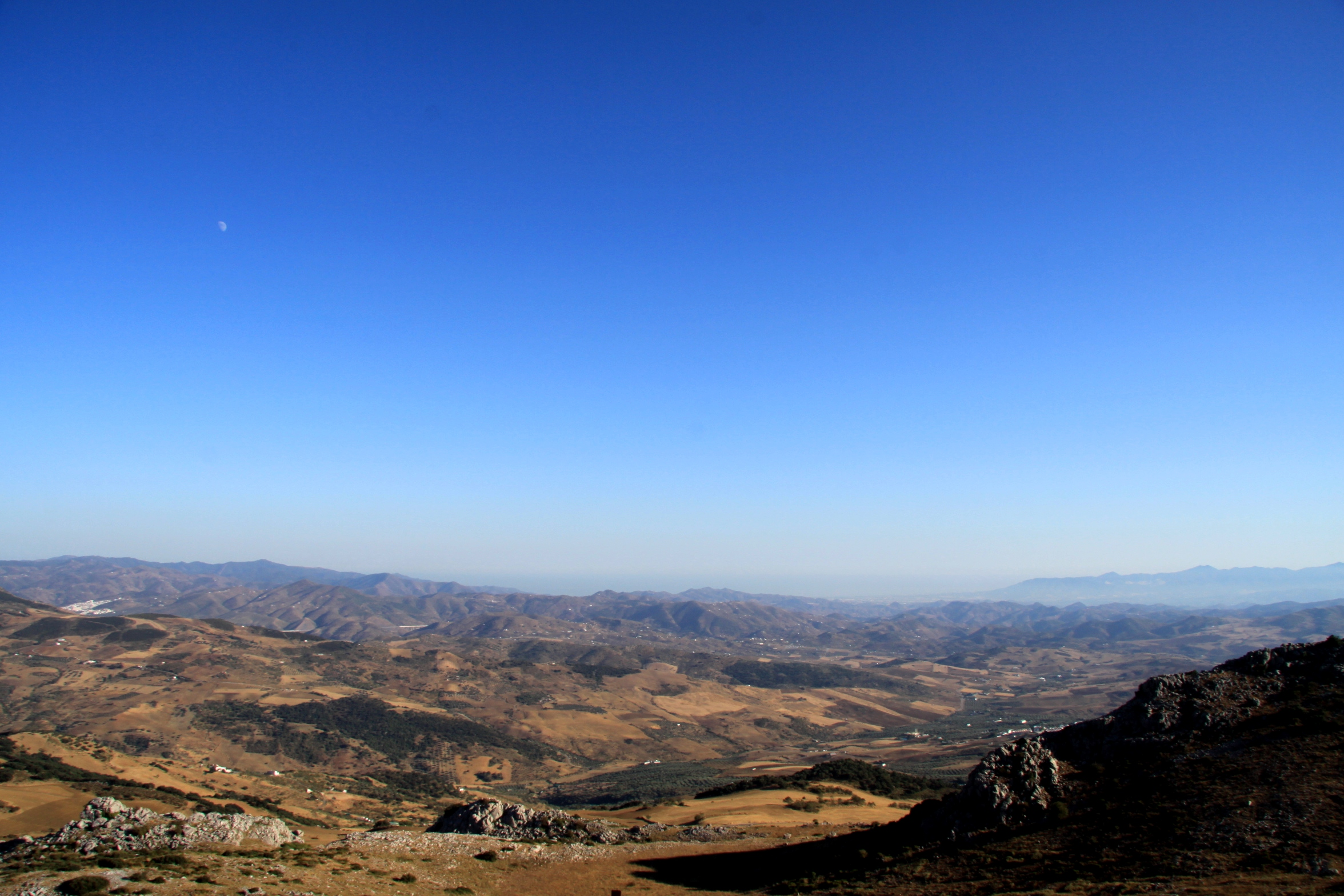 El_Torcal_Antequera_andalucia_andrew_forbes_view_towards_malaga