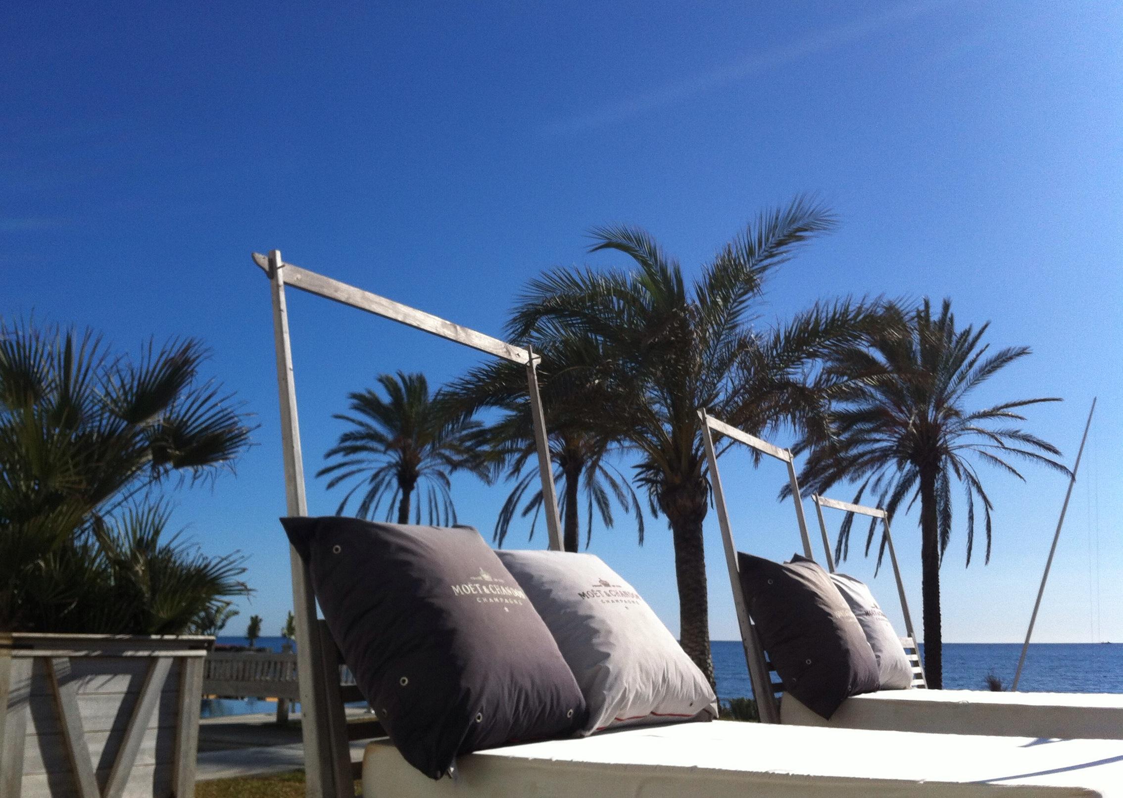 Estrella del Mar Beach Club, day beds