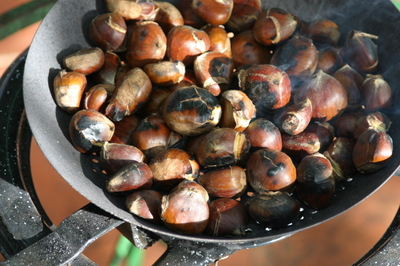 Chestnuts_or_castanos_ready_to_eat