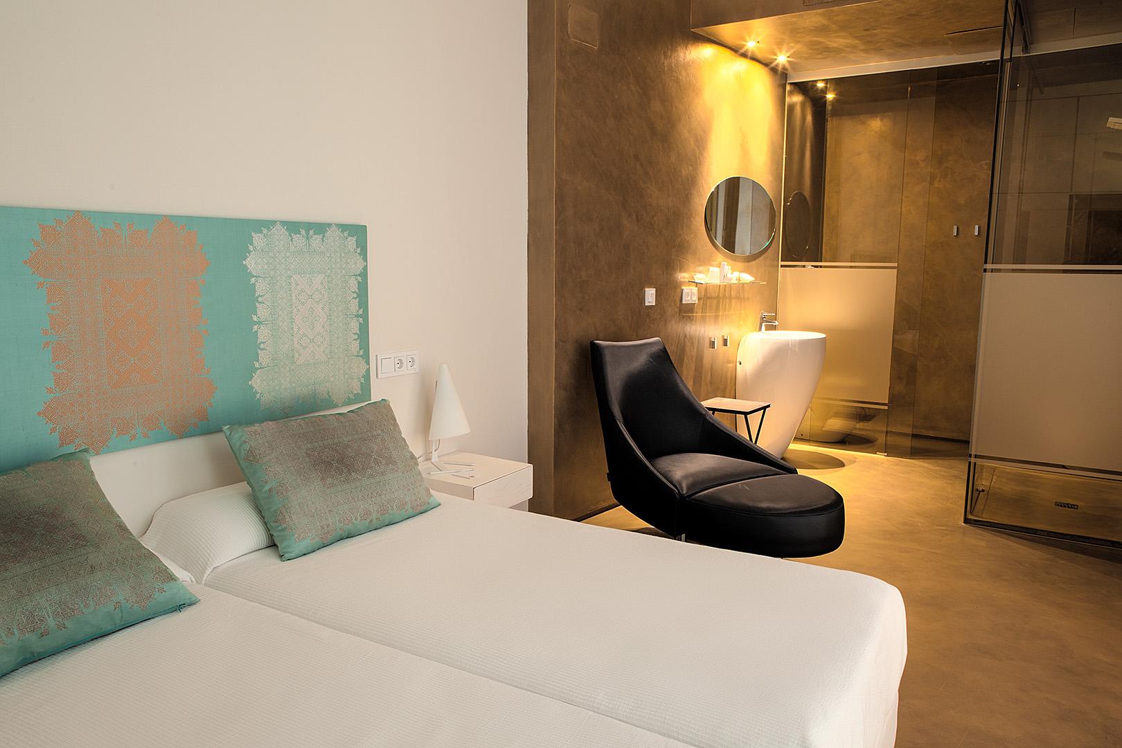 http://www.hotelviento10.es/en